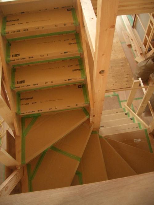 ダイニングからの階段。