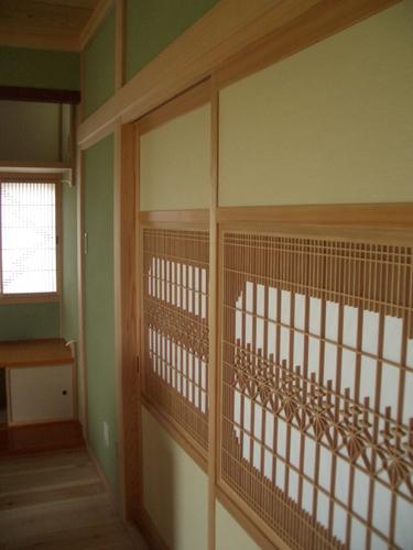 和室は真壁のジュラク塗り。障子戸。