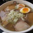 燕市吉田地区 坂内食堂「喜多方ラーメン・たまごトッピング」720円
