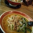 新潟市アピタ内「広東ヌードル」坦々麺(手前)広東麺(奥)。