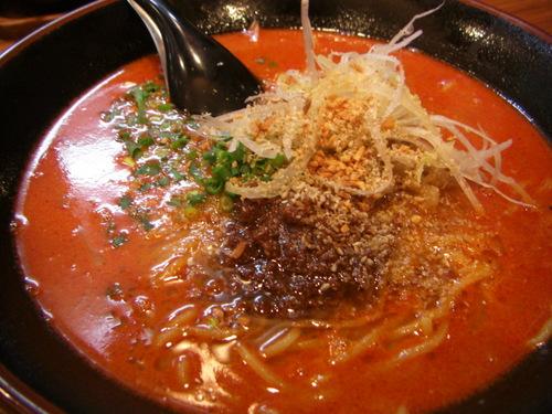 さんぽう亭 燕店「坦々麺」