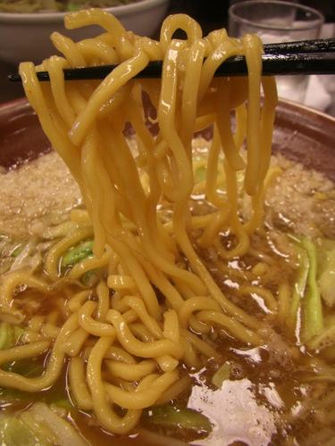 新潟市寺尾 「東横寺尾店」味噌ラーメン(背脂入り)