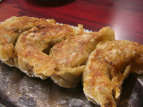 杭州飯店の特大餃子!